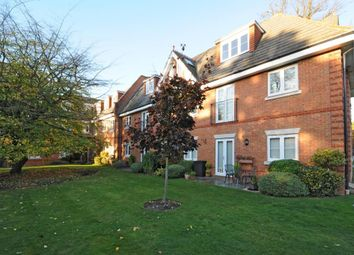 Thumbnail 2 bedroom flat to rent in Oxfordshire Place, Warfield