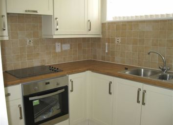 Thumbnail 1 bed property to rent in Gosbrook Road, Caversham, Reading, Berkshire