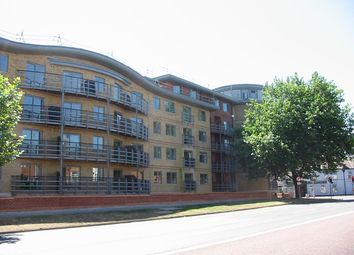 Thumbnail 2 bed flat to rent in Quadrant Court, Silver Street, Reading