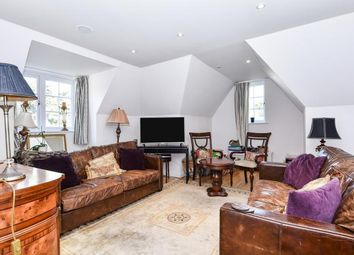 Thumbnail 2 bedroom flat to rent in Packhorse Road, Gerrards Cross