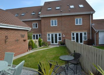 Thumbnail 3 bed town house for sale in Woodheys Park, Kingswood, Hull