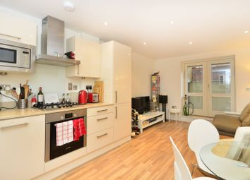 Thumbnail 1 bed flat to rent in Scriven Street, Haggerston