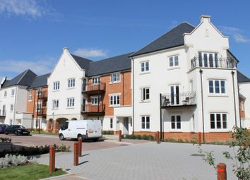 Thumbnail 2 bed flat to rent in Highwood House, Longhurst Avenue, Horsham