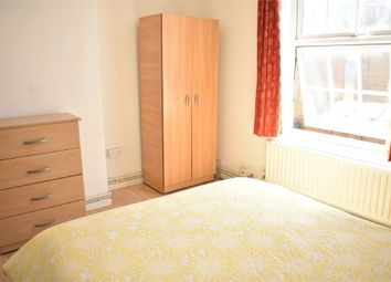 Room to rent in Shadwell Gardens, London E1