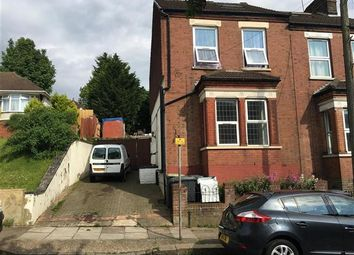 Thumbnail 2 bed flat to rent in Talbot Road, Luton