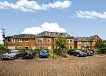 Thumbnail 2 bed flat for sale in Winch's Meadow, Burnham, Slough