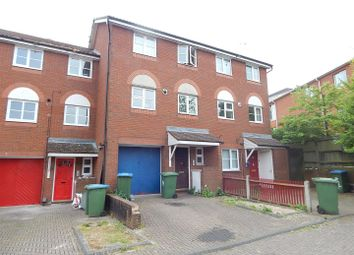 Thumbnail 3 bed town house to rent in Captains Place, Southampton