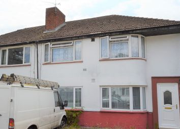 2 bed maisonette to rent in Canterbury Avenue, Slough, Berkshire. SL2