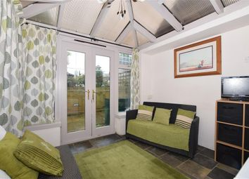 Thumbnail 2 bed cottage for sale in Chegworth Road, Harrietsham, Maidstone, Kent
