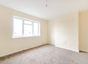 Thumbnail 2 bedroom flat to rent in Benhill Wood Road, Sutton