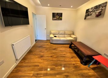 5 bed terraced house to rent in Applegarth Drive, Newbury Park IG2