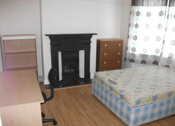 Thumbnail 4 bed terraced house to rent in Osborne Road, Luton