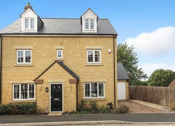 Thumbnail 5 bed detached house for sale in Wearn Road, Faringdon, Oxfordshire