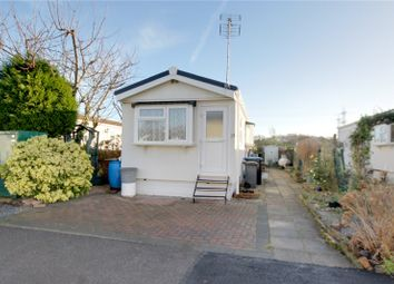 Thumbnail 2 bedroom mobile/park home for sale in Avenue C, Meadowlands, Addlestone, Surrey