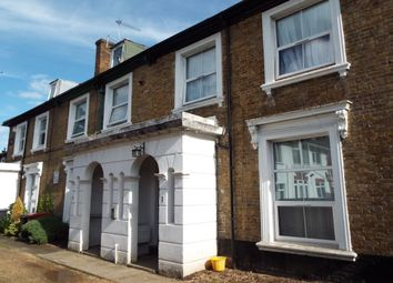 Thumbnail 1 bed flat to rent in Clifton Road, Slough