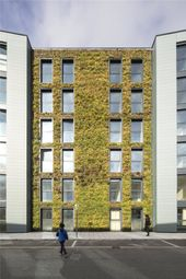 Greenwich Square - Courtyard, 1-3 Lambarde Square, Greenwich, London SE10. 3 bed flat for sale