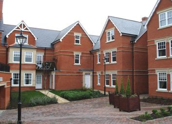 Thumbnail 2 bed flat to rent in Westlecot Road, Swindon