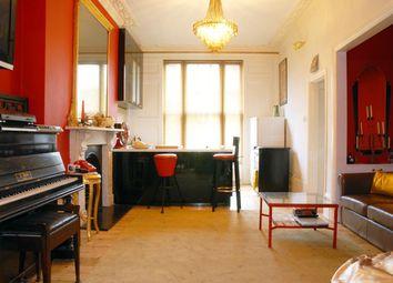 Thumbnail 1 bedroom flat to rent in Yonge Park, London