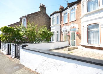 5 bed terraced house to rent in Crescent Road, London E13