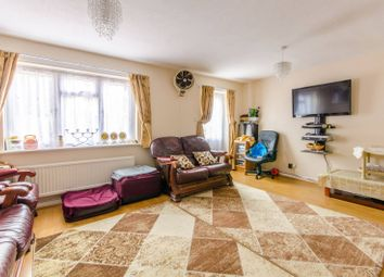 3 bed property for sale in Waterhall Close, Walthamstow E17