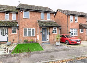 3 bed end terrace house for sale in Hollyfields, Broxbourne, Hertfordshire EN10