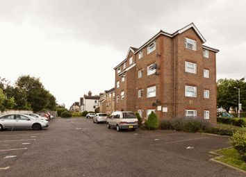 Thumbnail 2 bed flat to rent in Southchurch Avenue, Southend-On-Sea