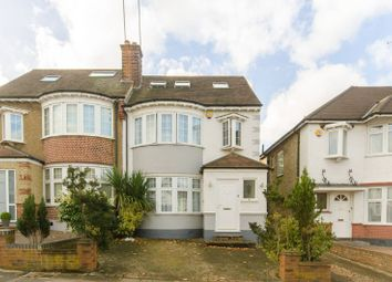 Thumbnail 4 bed property to rent in West Avenue, Finchley