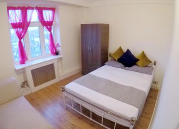 Room to rent in Hall Road, London NW8