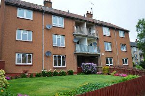 Thumbnail 2 bed flat to rent in Dunearn Drive, Kirkcaldy