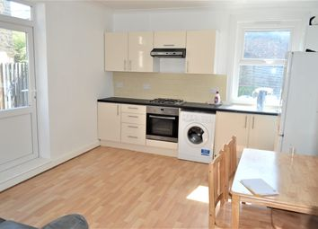 3 bed maisonette to rent in Totterdown Street, Tooting Broadway, London SW17