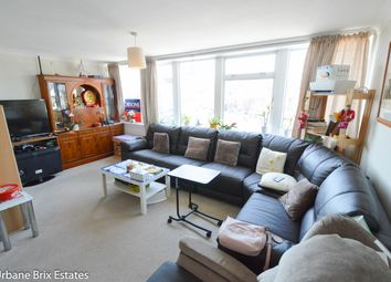 Thumbnail 3 bed flat for sale in White Hill Court Broad Street, Chesham