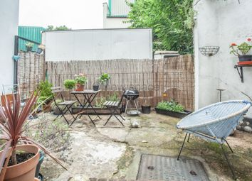 Thumbnail 1 bed flat to rent in Digby Road, Hackney Central