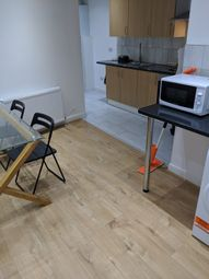 Thumbnail Room to rent in Shaftesbury Road, Upton Park London