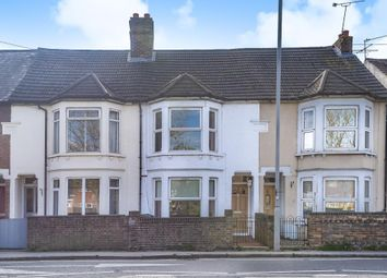 3 bed terraced house to rent in Stoke Road, Aylesbury HP21