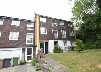 Thumbnail 6 bed terraced house to rent in Trowbridge Gardens, Luton