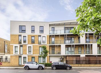 Thumbnail 1 bed flat to rent in Greenwich High Road, London