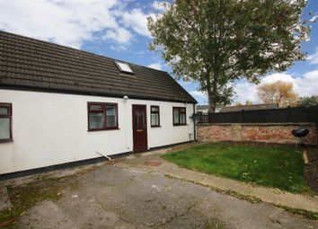 Thumbnail 2 bed detached house to rent in Queen Street, Aylesbury