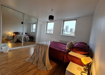 Room to rent in China Court, London, London E1W