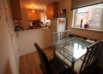Thumbnail 5 bed terraced house to rent in Hyde Park Terrace, Leeds