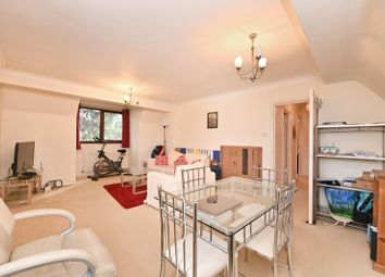 Thumbnail 1 bed flat to rent in Woodside Grove, London
