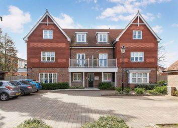 Thumbnail 2 bedroom flat for sale in Carlton Place, Marlow