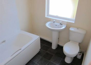Thumbnail 2 bedroom flat to rent in 1A Scotholme Avenue, Hyson Green, Nottingham