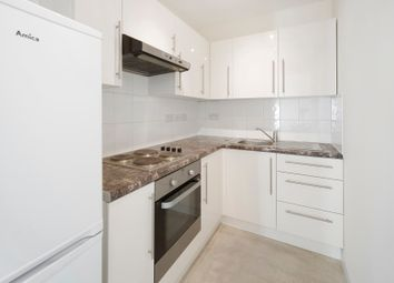 Thumbnail 1 bed flat to rent in Belsize Road, London