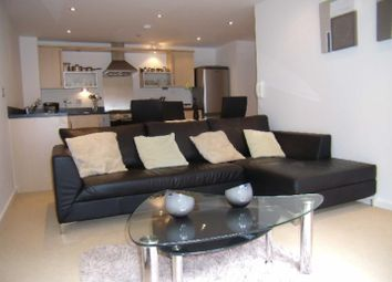 2 bed flat to rent in Adamson House, Saltra, Salford M5