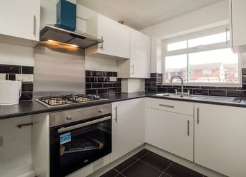 2 bed property to rent in Loughrigg Close, Nottingham NG2