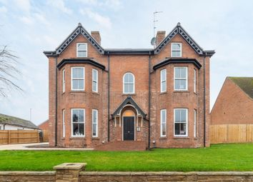 Thumbnail 2 bed flat for sale in High Street, Henley-In-Arden