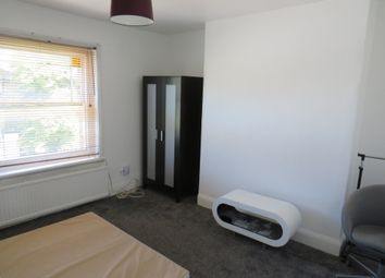 Thumbnail 2 bed flat to rent in Stockwell Road, Stockwell