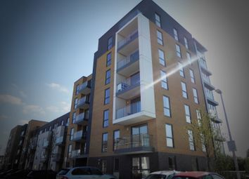 Thumbnail 1 bed flat to rent in Cygnet House, Drake Way, Reading