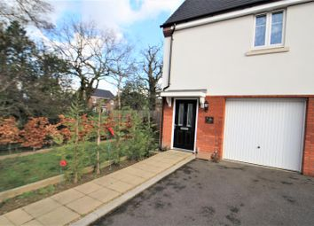 Thumbnail 1 bed detached house to rent in Charlbury Road, Crawley