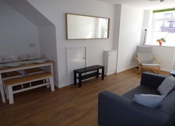 2 bed flat to rent in Church Road, Wirral CH48